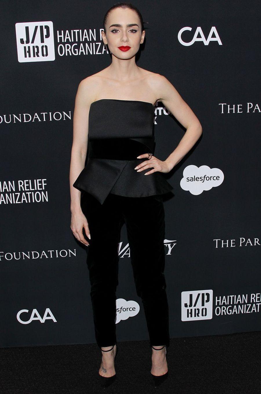 Lily Collinsau gala de la J/P Haitian Relief Organization, la fondation de Sean Penn, à Beverly Hills, le 7 janvier 2017.