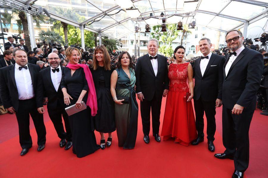 Ségolène Royal, Al Gore, sa compagneElizabeth Keadle et l'équipe du film«Une suite qui dérange: le temps de l'action».