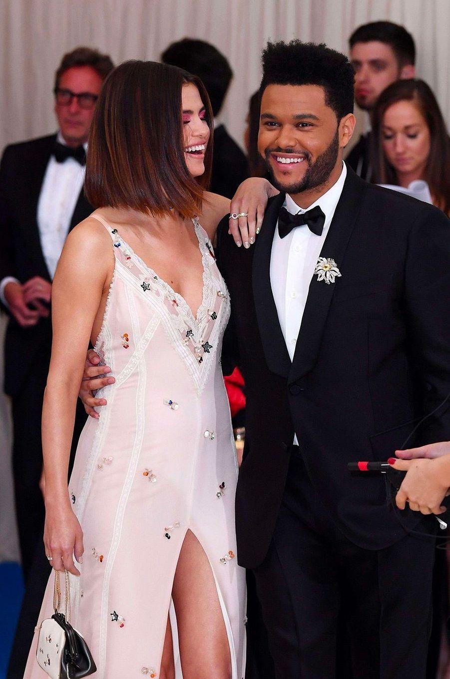 Selena Gomez et The Weeknd au MET Gala en mai 2017