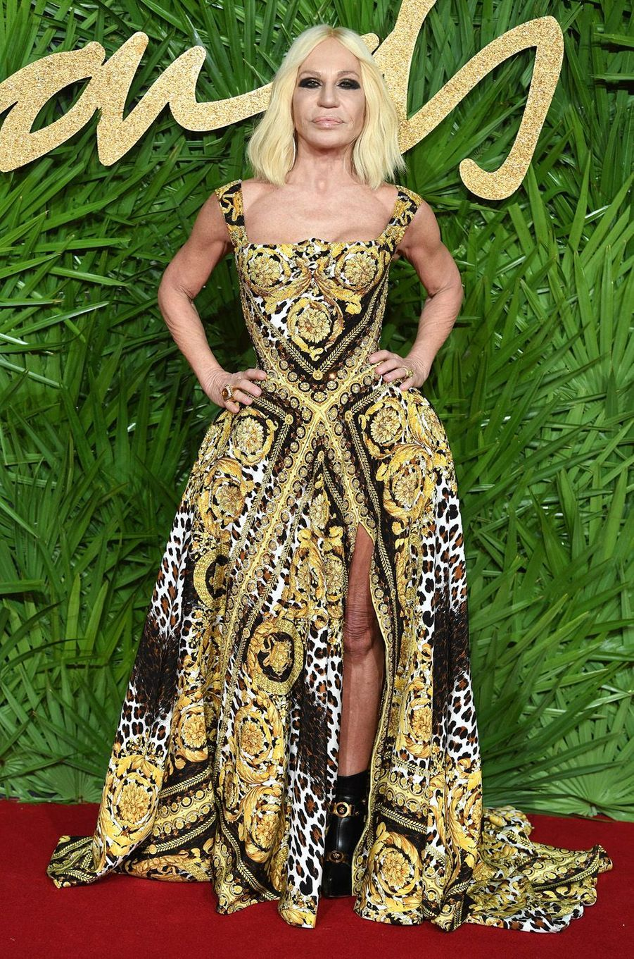 Donatella Versaceaux Fashion Awards, le 4 décembre 2017 à Londres.