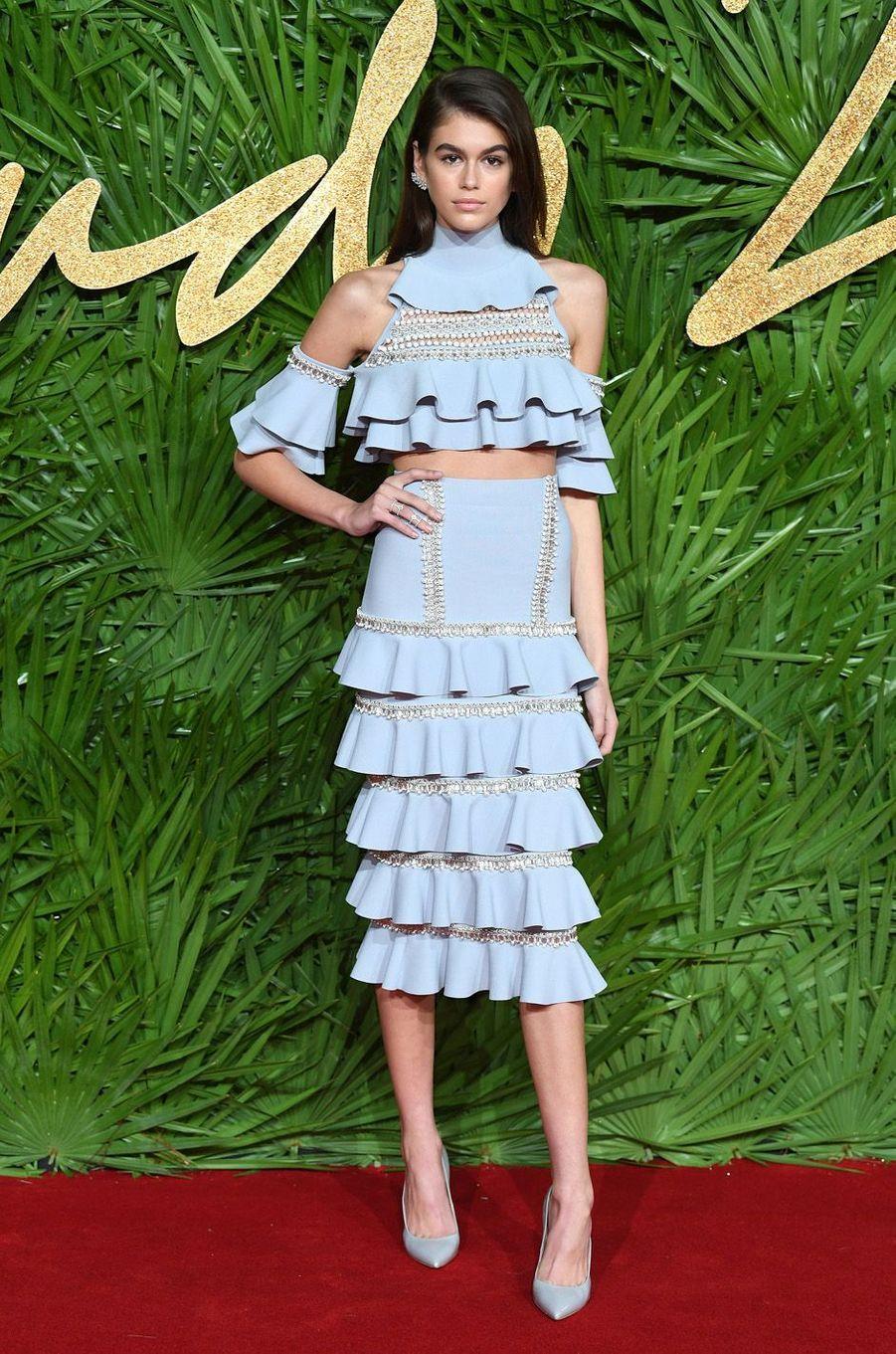Kaia Gerberaux Fashion Awards, le 4 décembre 2017 à Londres.