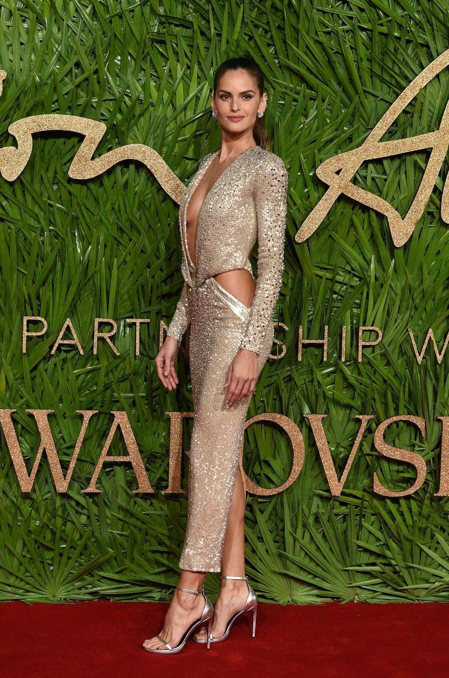 Izabel Goulartaux Fashion Awards, le 4 décembre 2017 à Londres.