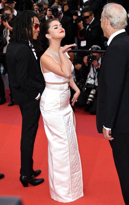 Luka Sabbat, Selena Gomez et Bill Murray lors de la montée des marches du film «The Dead Don't Die» lors du 72e Festival de Cannes le 14 mai 2019