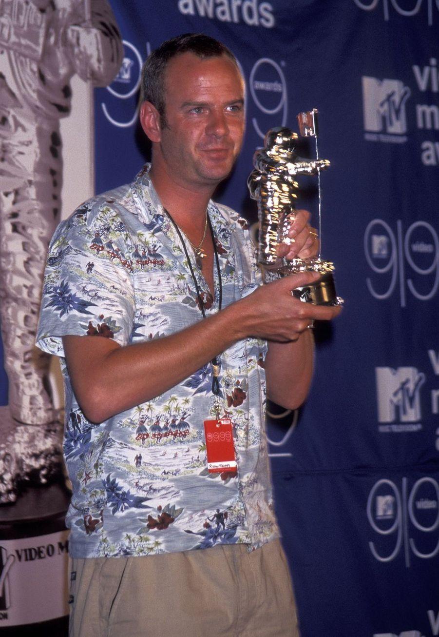 Fatboy Slim avait reçu trois prix pour son clip «Praise You», dont le clip de la meilleure découverte