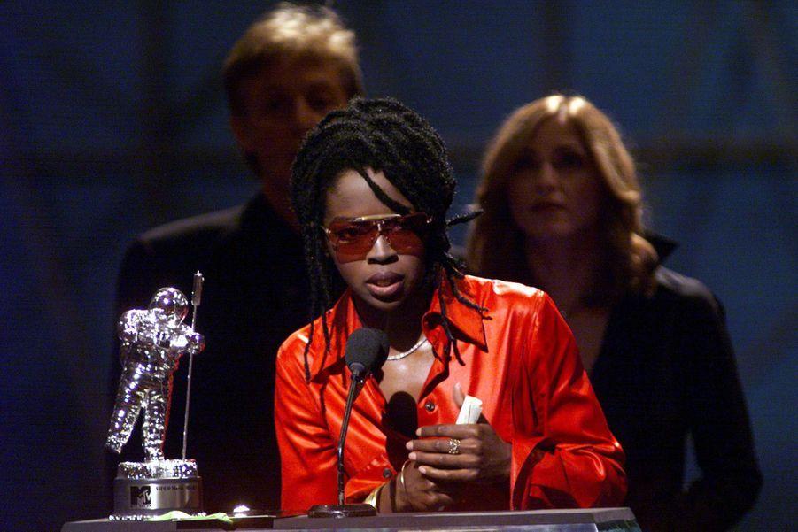 Lauryn Hill avait été la grande lauréate de la soirée, remportant quatre prix, dont celui du meilleur clip pour une artiste féminine et du meilleur clip de l'année pour son tube «Doo-Wop (That Thing)»