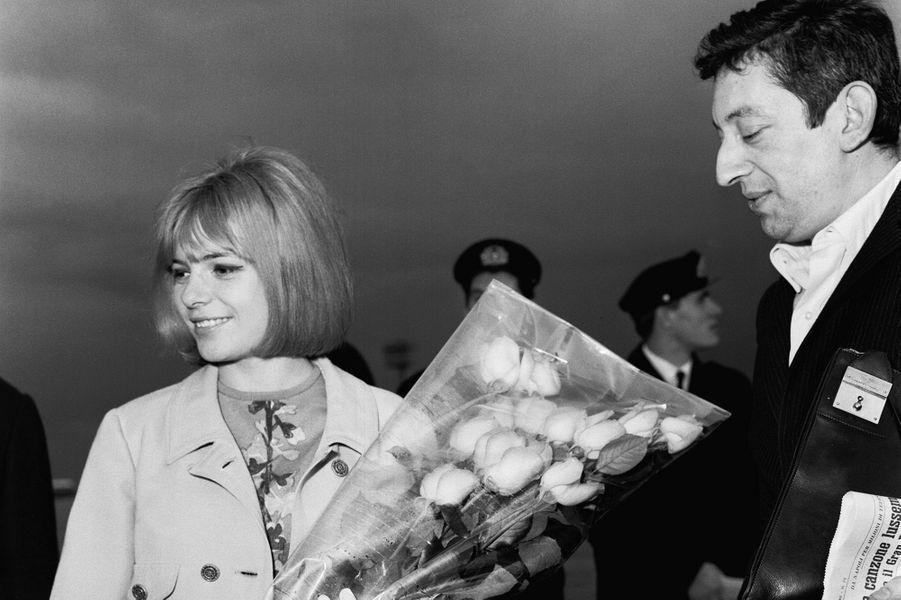 Serge Gainsbourg et France Gall en voyage en Italie en 1968.