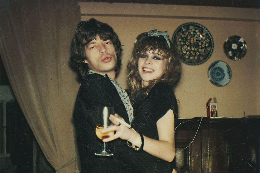 En 1978, Jo fête ses 23 ans lors d'une fête punk avec Mick Jagger.