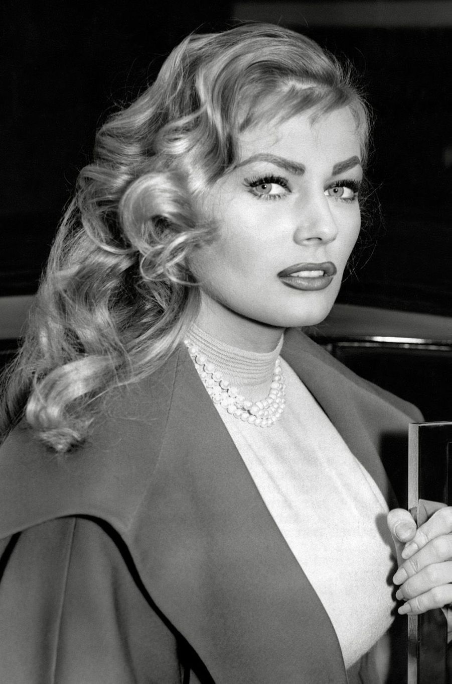 Anita Ekberg en 1957.