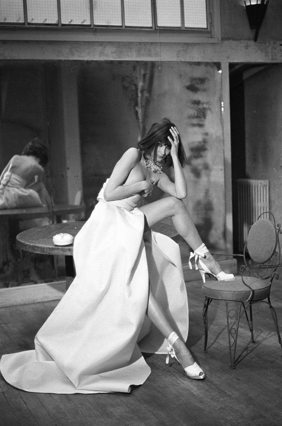 Carla Bruni a été la muse des plus grandes maisons de couture.