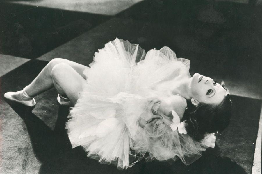 Greta Garbo, une beauté divine et mystérieuse.