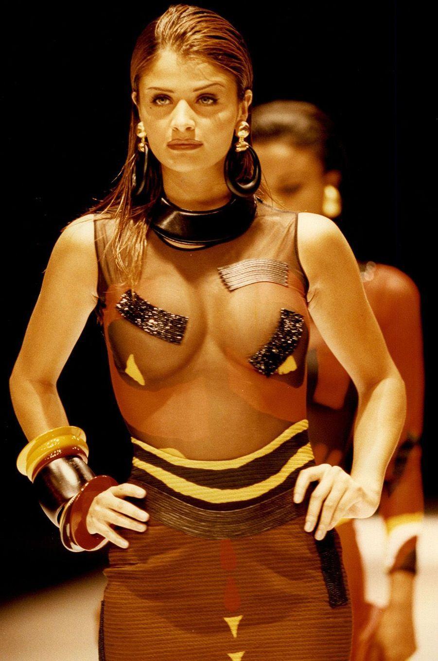 Helena Christensen, une icône des années 90.