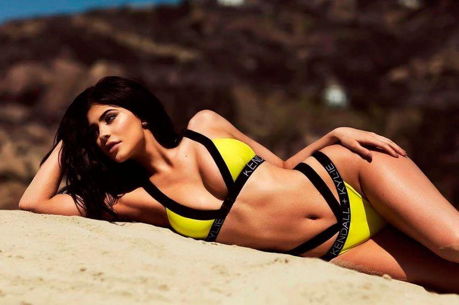 Kylie Jenner travaille dans la mode et les cosmétiques