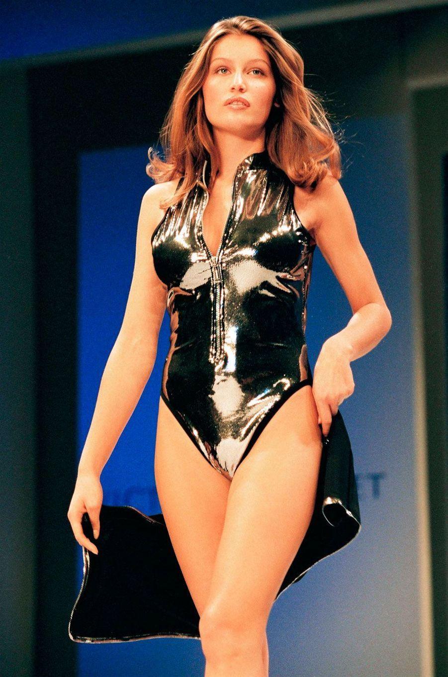 Laetitia Casta est l'une des seules françaises à avoir défilé pour Victoria's Secret