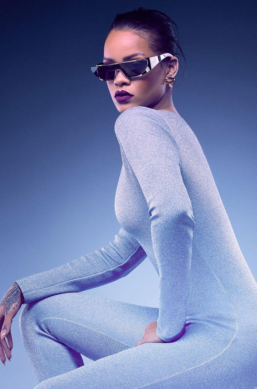 Rihanna pose pour Dior.