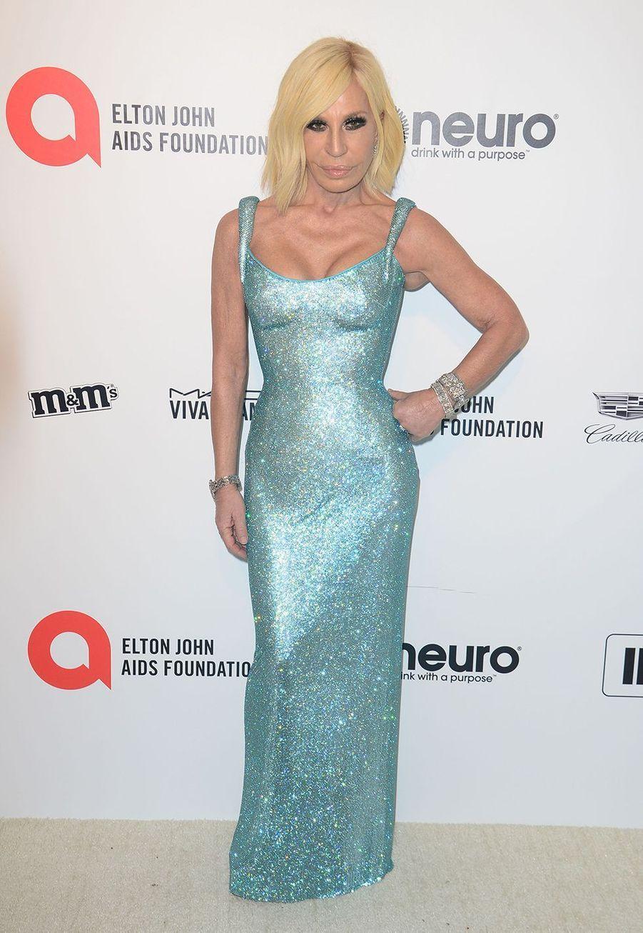 Donatella Versacelorsde la soirée d'Elton John contre le sida à Los Angeles le 9 février 2020.