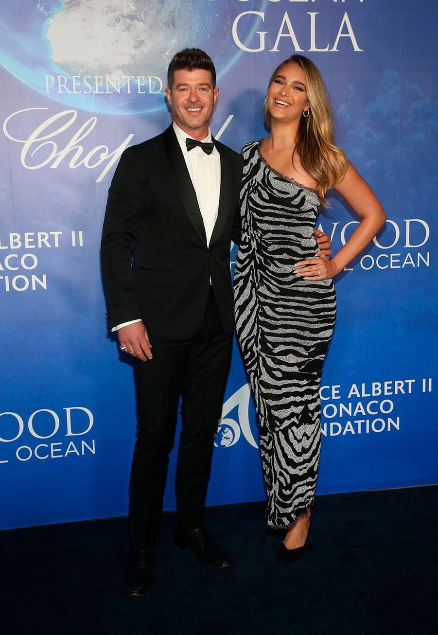 Robin Thicke et April Love Geary lors du Global Ocean Gala à Hollywood le 6 février 2020.