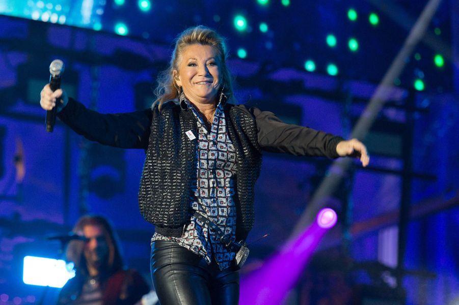 Sheila au concert organisé place de l'hôtel de ville pour célébrer Paris-2024, le 15 septembre 2017.