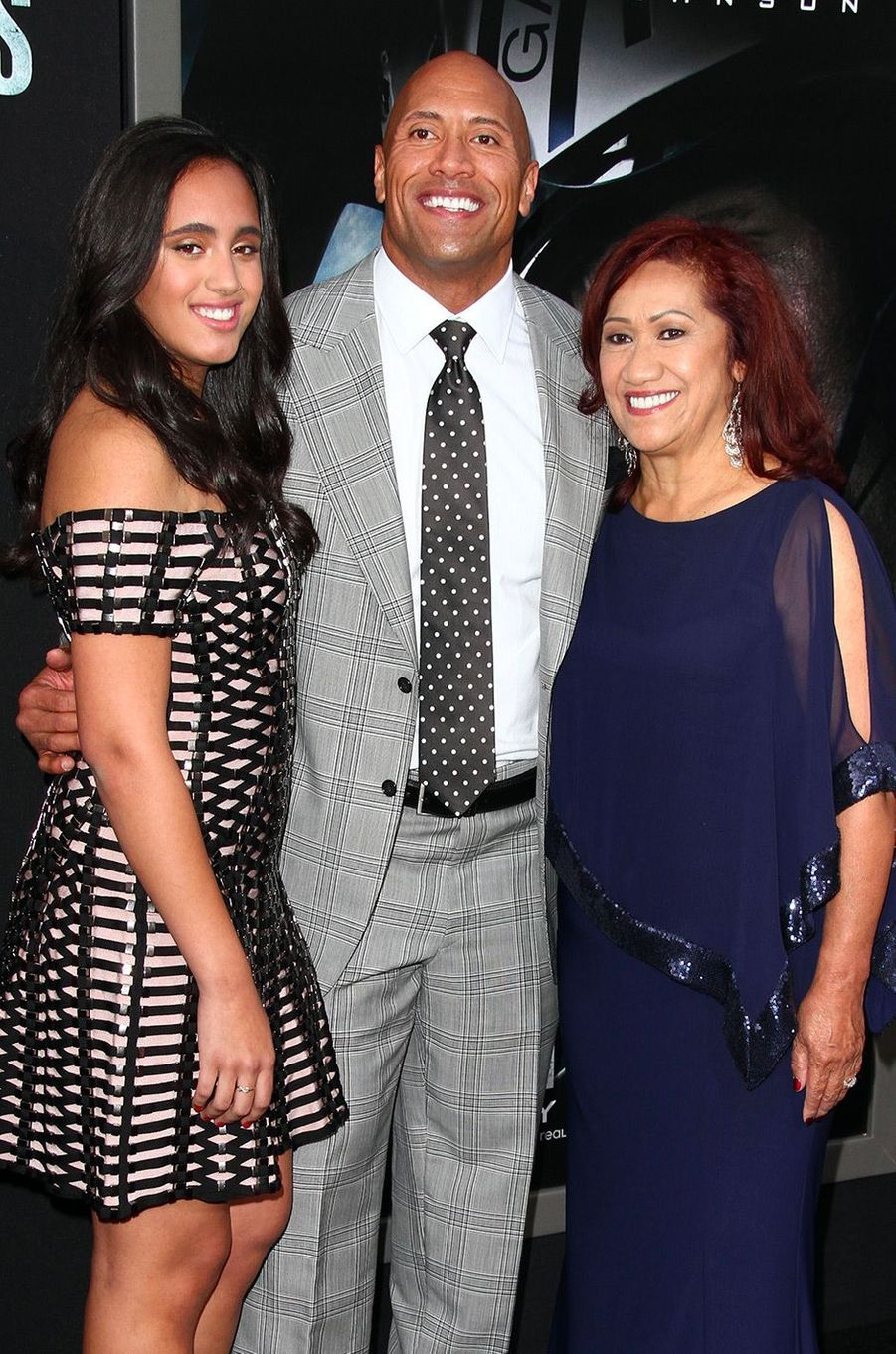 Simone Garcia Johnson, son père Dwayne Johnson et sa grand-mère Ata Johnson à Hollywood le 26 mai 2015