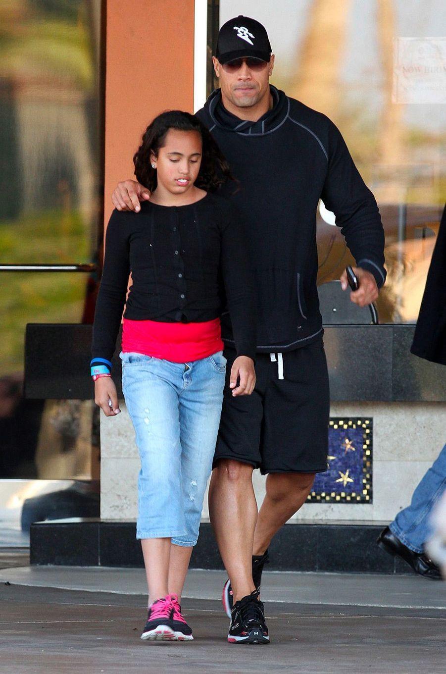 Simone Garcia Johnson et son père Dwayne Johnson à Los Angeles le 25 mars 2017