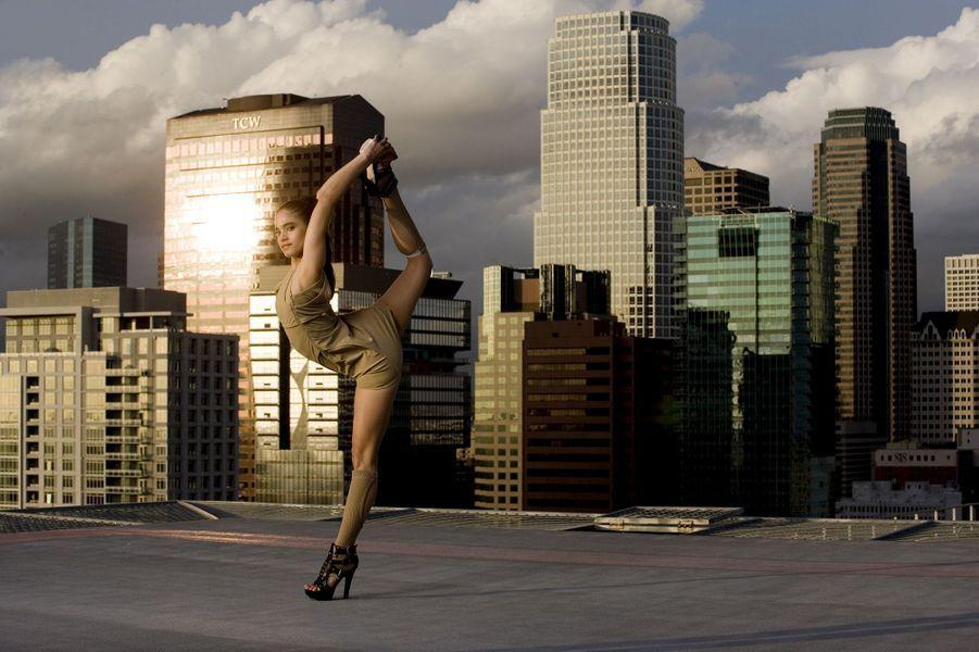 Sofia Boutella pose pour Paris Match, sur le toit d'un building de Downtown, le quartier d'affaires de Los Angeles.