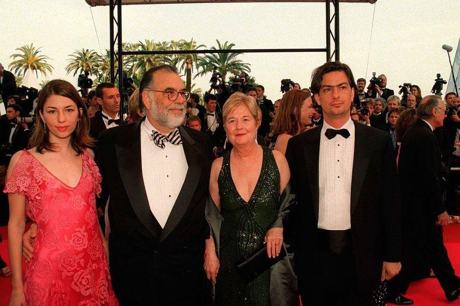Francis Ford Coppola, sa femme et leurs enfants Sofia et Roman lors de la cérémonie d'ouverture du 54ème Festival de Cannes.