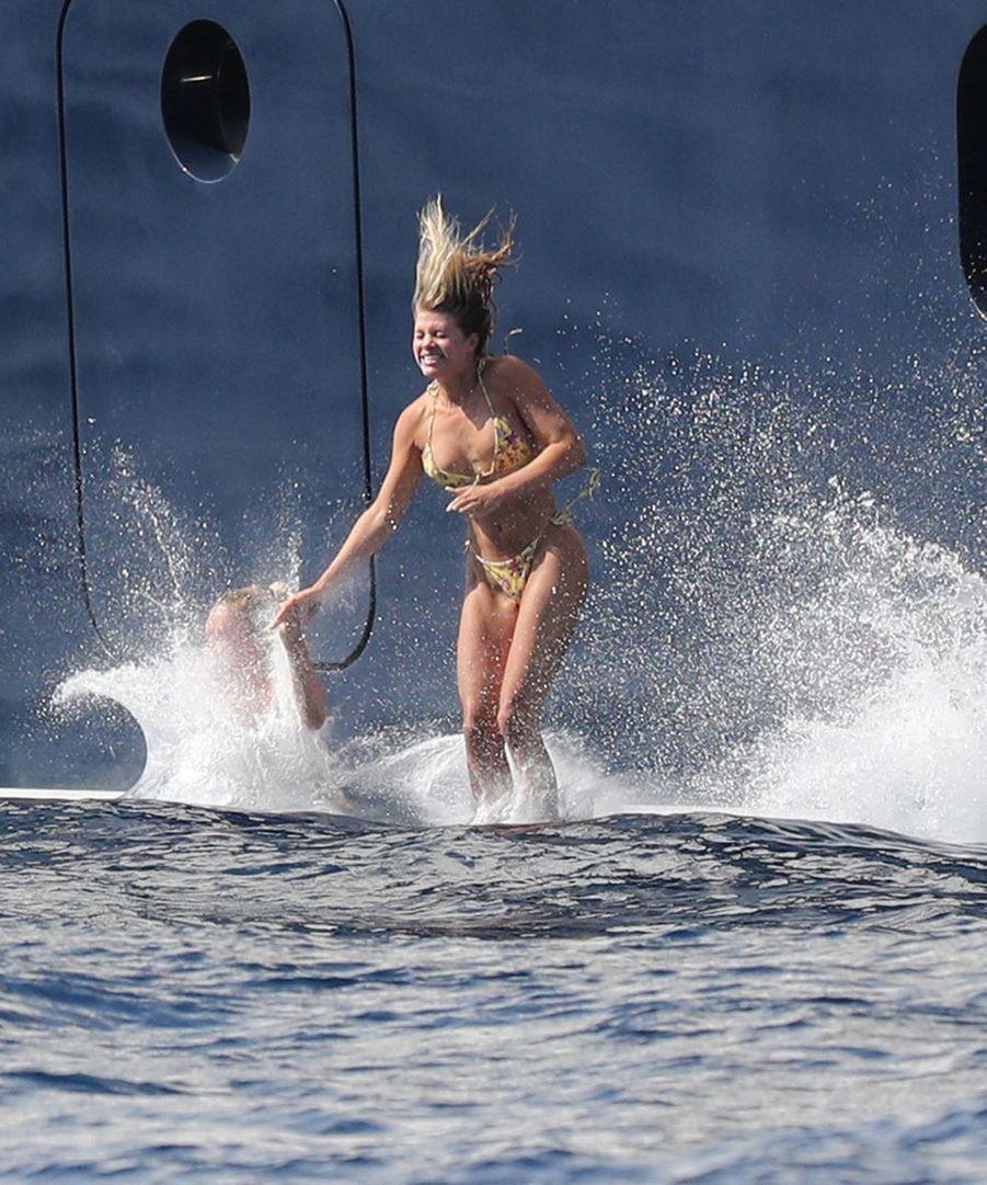 Sofia Richie sur le yacht Tranquility à Capri, en Italie, le 8 août 2019