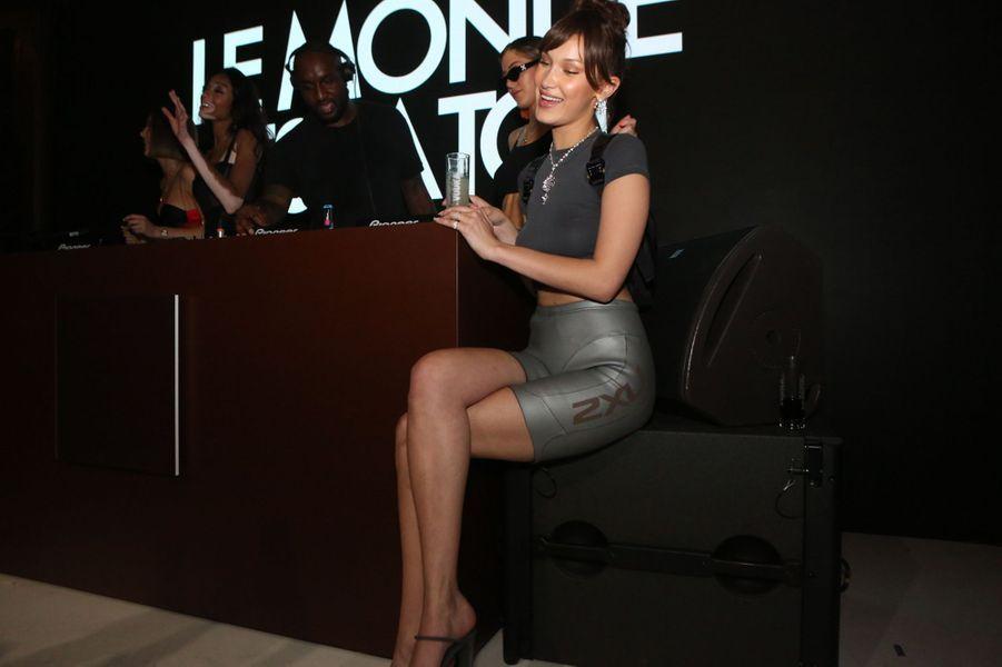 """Bella Hadid à la soirée """"Le monde est à toi"""", le 12 mai 2018."""