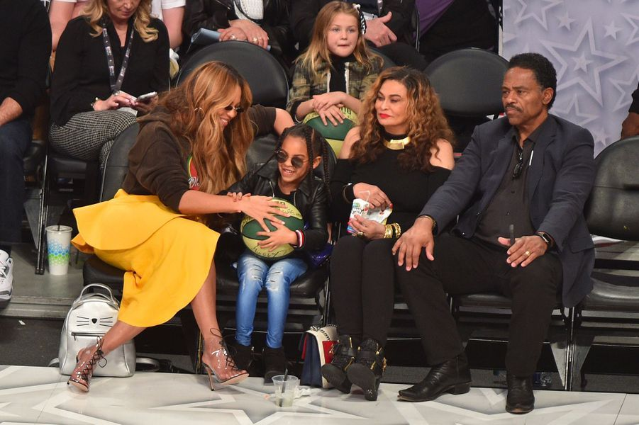 Beyoncé, Blue Ivy, Tina Knowles et Richard Lawson au NBA All-Star Game
