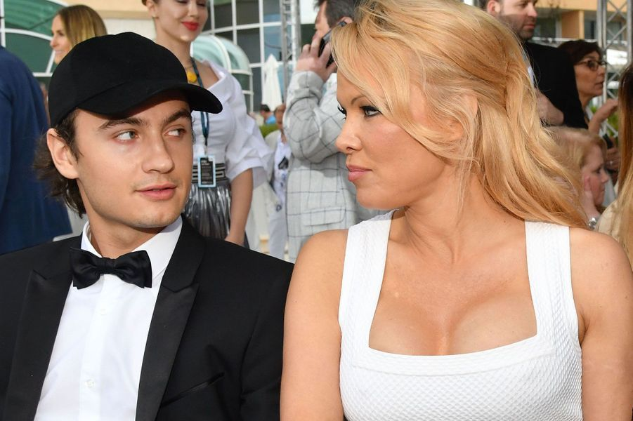 Pamela Anderson avec son fils Brandon Lee