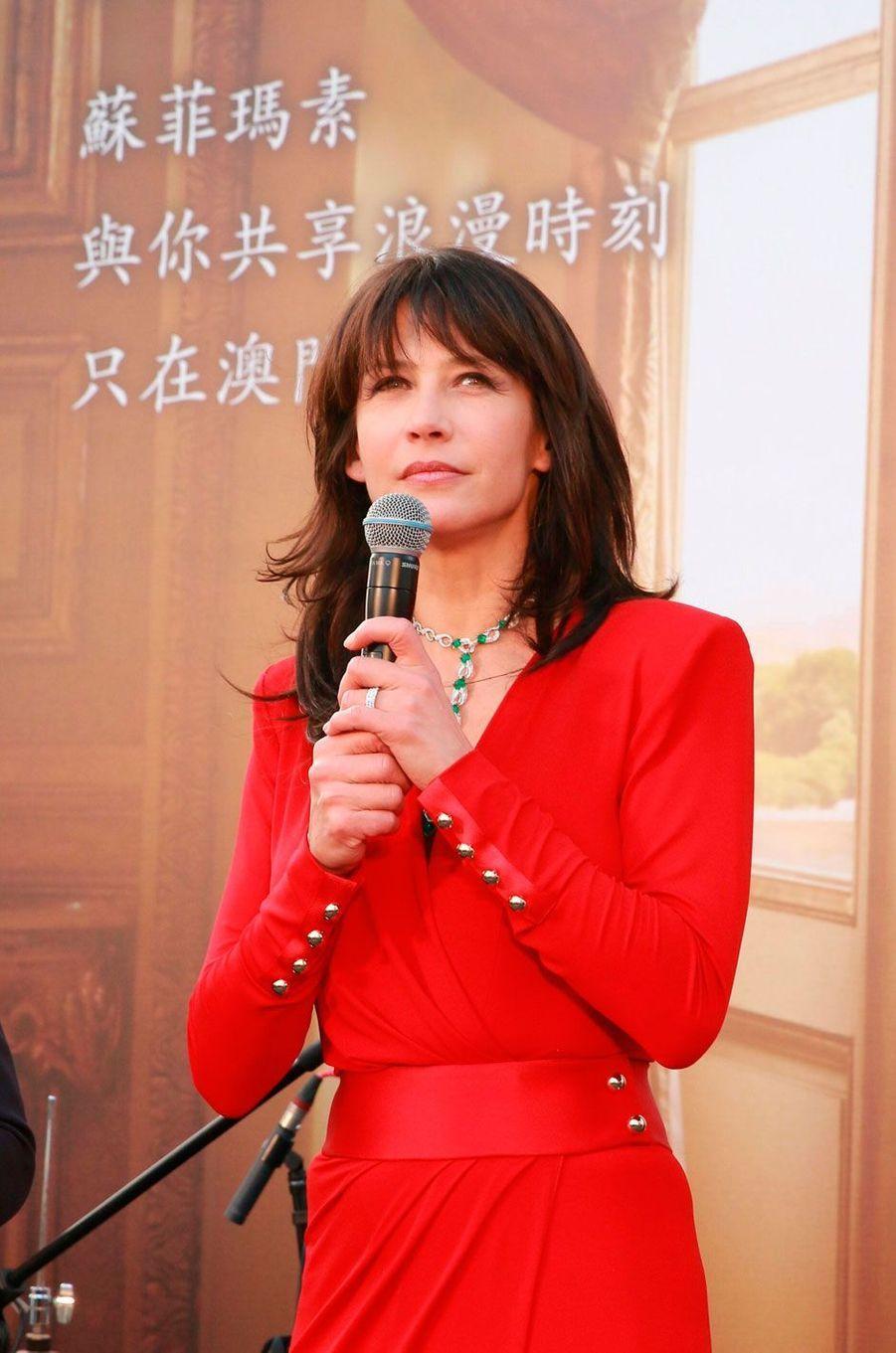Sophie Marceau est en voyage à Macao