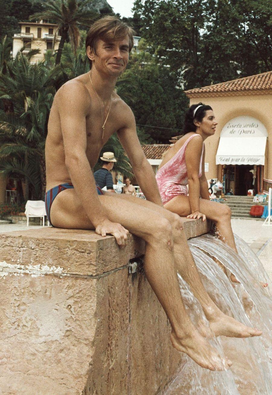 Le danseur étoile Rudolf Noureev (1938-1993) en vacances sur la Côte d'Azur dans les années 60.