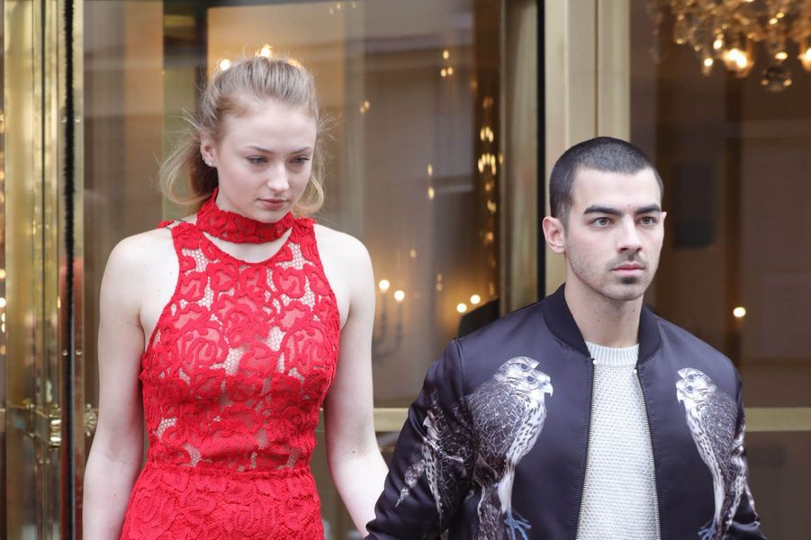 Joe Jonas et Sophie Turner le 7 mars 2017 à Paris.