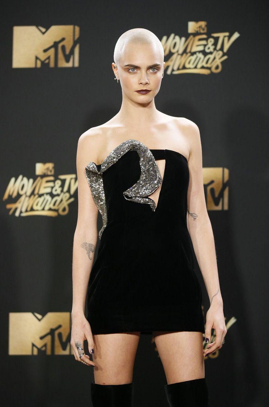Cara Delevingneaux MTV Movie and TV Awards, à Los Angeles, le 7 mai 2017.