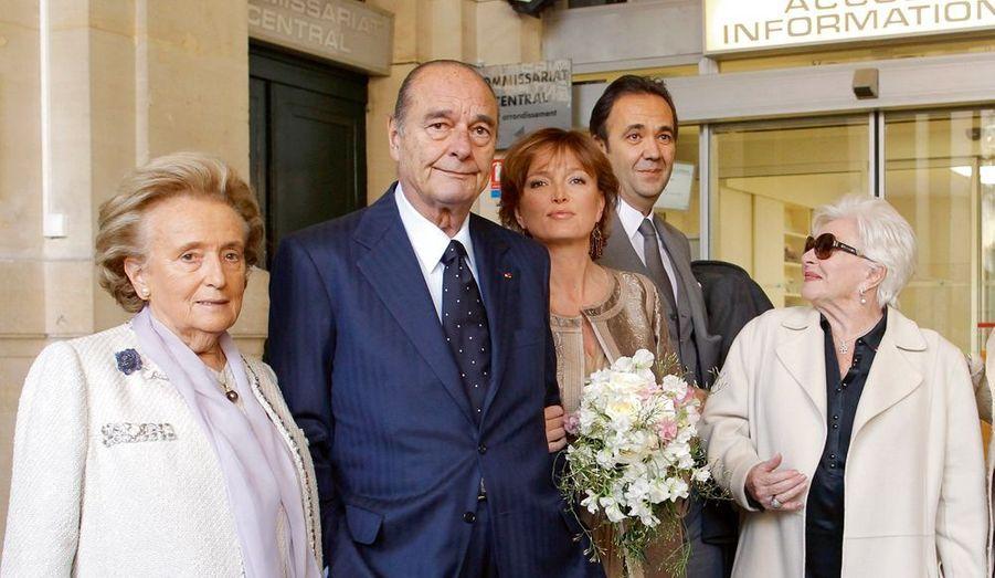 La fille cadette de Jacques Chirac, Claude, a épousé le 11 février l'ancien secrétaire général de l'Elysée, Frédéric Salat-Baroux, à la mairie du 6e arrondissement de Paris. Il s'agissait de son second mariage après celui avec le politologue Philippe Habert, décédé sept mois après leur union en 1992.