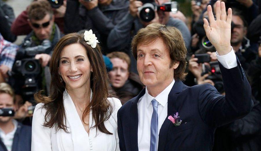 En couple depuis quatre ans, Paul McCartney et Nancy Shevell se sont mariés le 9 octobre à Londres.