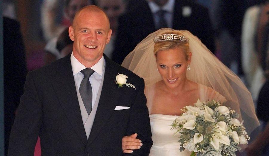Zara Phillips, la fille de la princesse Anne, a épousé le 30 juillet 2011 Mike Tindall, l'ancien capitaine de l'équipe anglaise de rugby, son chevalier servant depuis huit ans.