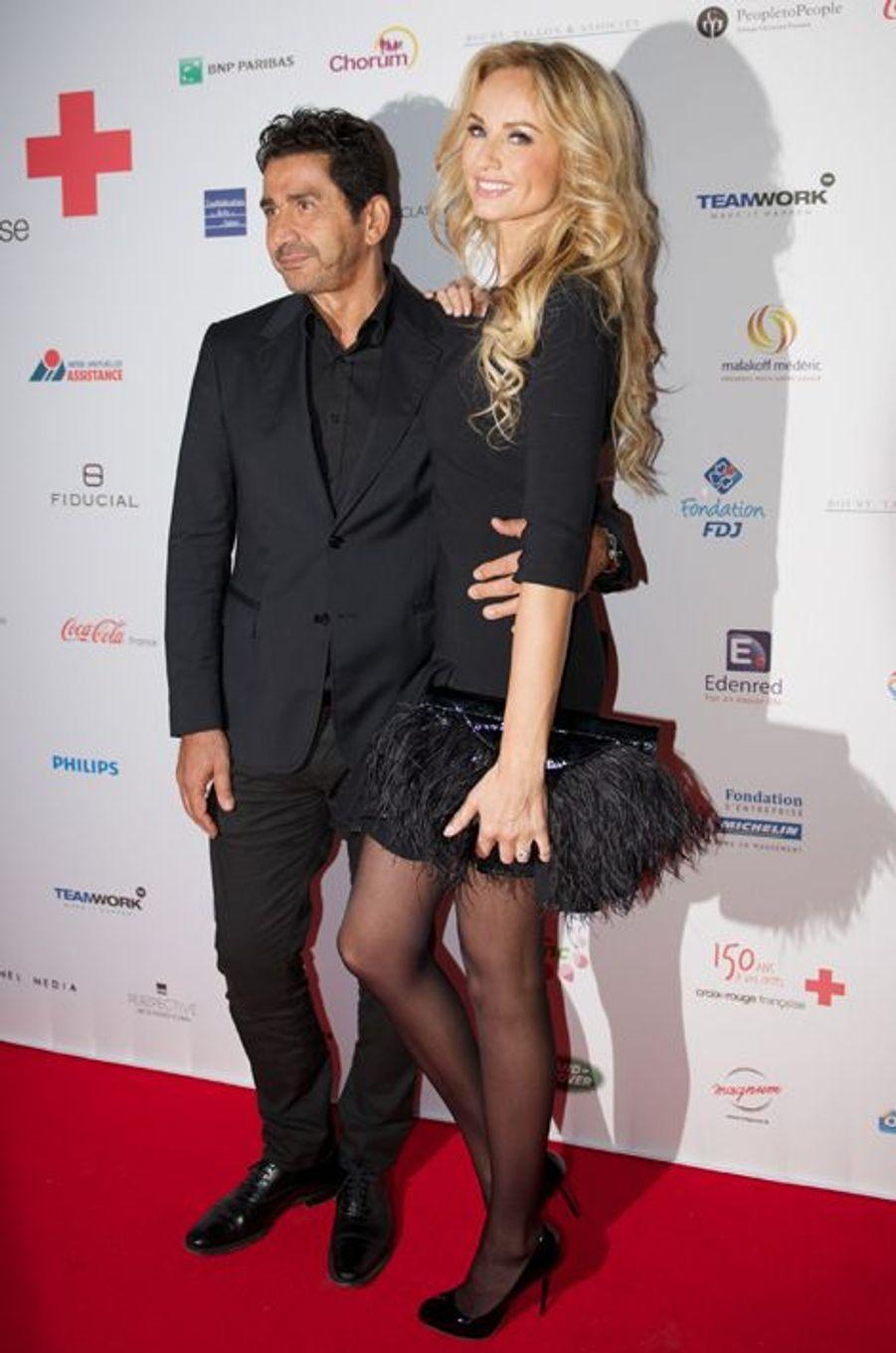 Adriana Karembeu et son mari André Ohanian au Gala des 150 ans de la Croix-Rouge à Paris le 12 septembre 2014.