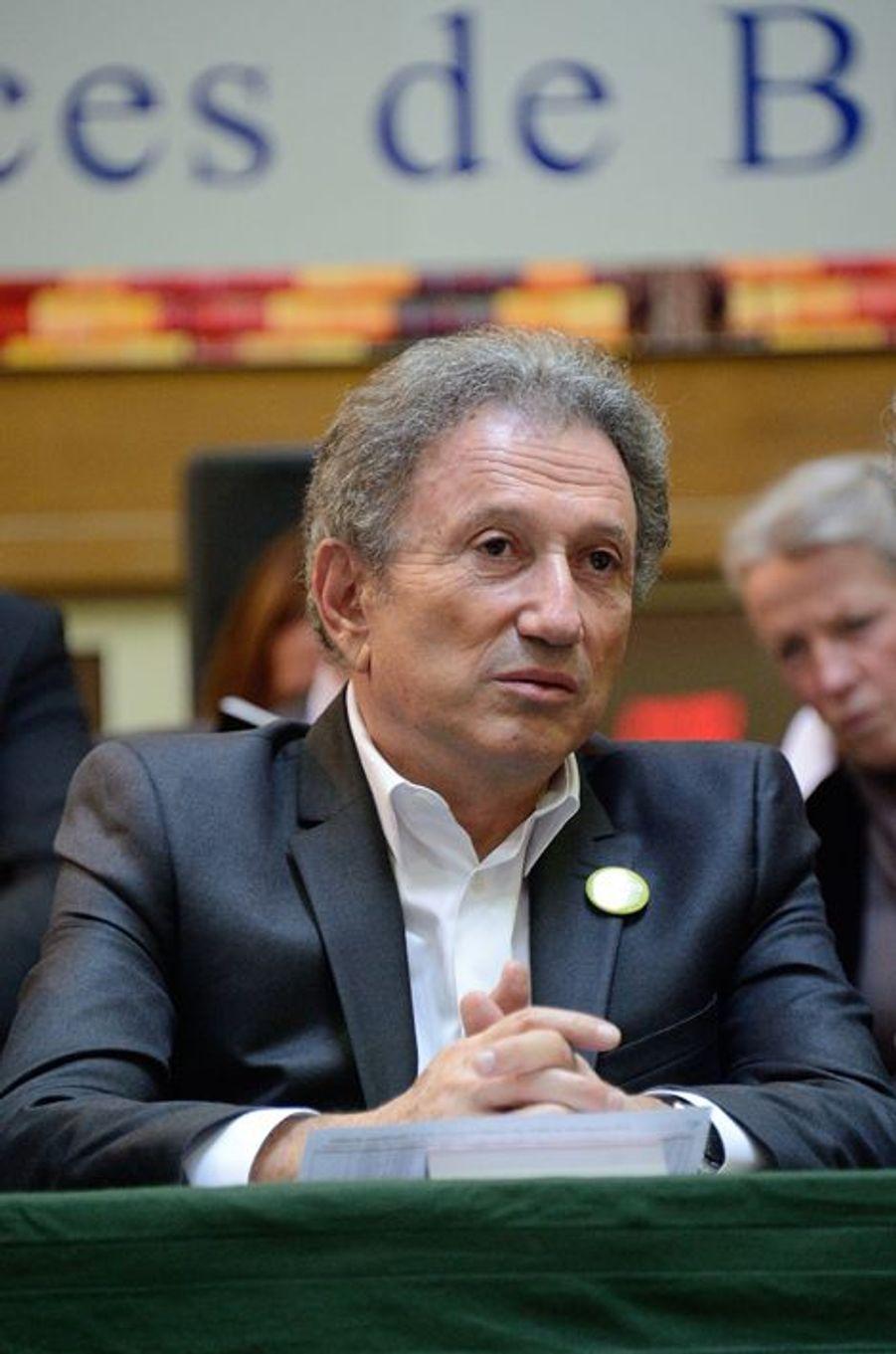 Michel Drucker à la vente aux enchères des Hospices de Beaune, le 16 novembre 2014