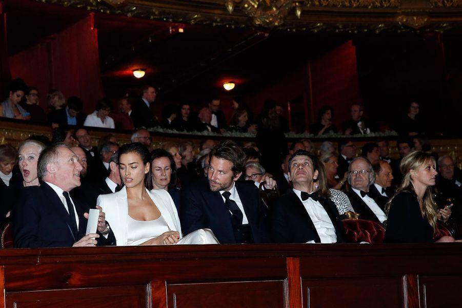 François-Henri Pinault, Irina Shayk, Bradley Cooper, Marc et Sarah Lavoine à Paris le 9 mars 2016