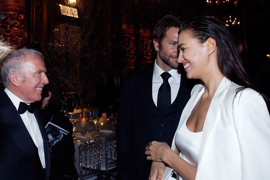 François Pinault, Irina Shayk et Bradley Cooper à Paris le 9 mars 2016