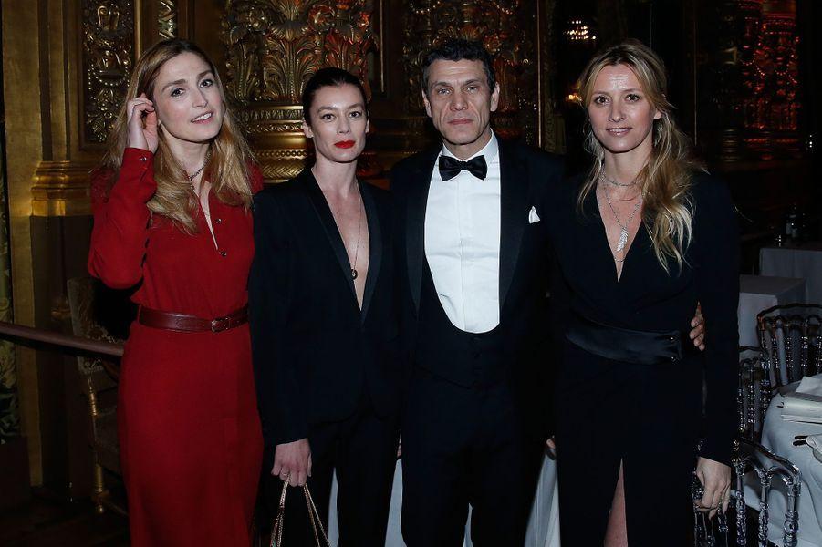 Julie Gayet, Aurélie Dupont, Marc et Sarah Lavoine à Paris le 9 mars 2016