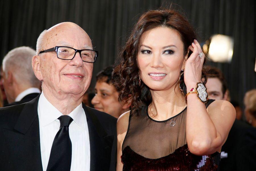Si le troisième mariage de Rupert Murdoch risque de lui coûter cher -et de lui assurer de garder la tête du classement des divorces les plus onéreux-, nombreuses sont les stars à avoir signer un chèque très généreux à leur future ancienne moitié. Florilège.Lors de son divorce précédent, le magnat australien avait donné 1,7 milliard de dollars à Anna.