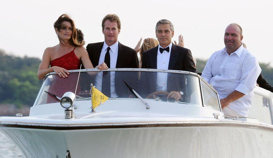 George Clooney et le restaurateur Rande Gerber, le mari de Cindy Crawford, ont investi leur propre marque de tequila, Casamigos, depuis le mois de janvier.