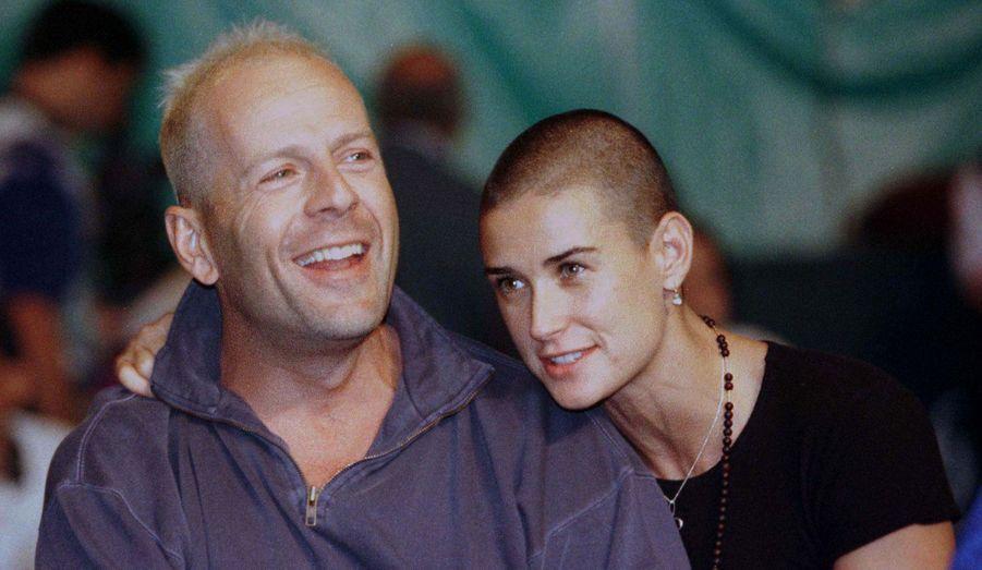 Habituée à prendre des rôles loin de sa personnalité, Demi Moore s'est rasée la tête pour incarner une femme soldat dans «À armes égales» en 1997.