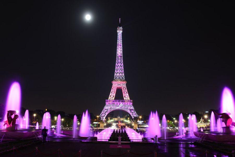 Lancement de la campagne Octobre Rose au Palais Chaillot le 7 octobre 2014 à Paris