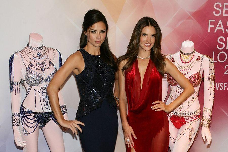 Adriana Lima et Alessandra Ambrosio à Las Vegas le 13 novembre 2014