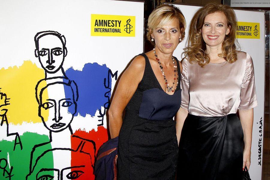 Geneviève Garrigos, présidente d'Amnesty International France, et Valérie Trierweiler