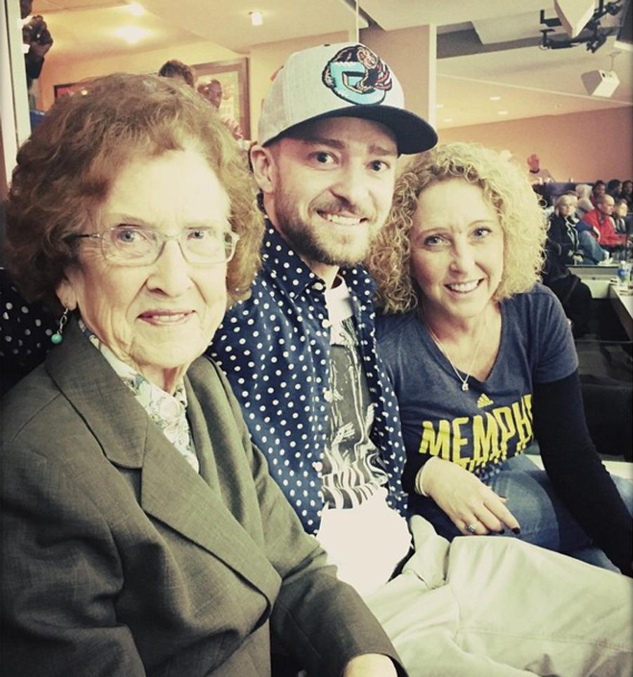 Justin Timberlake, entouré de sa mère et sa grand-mère