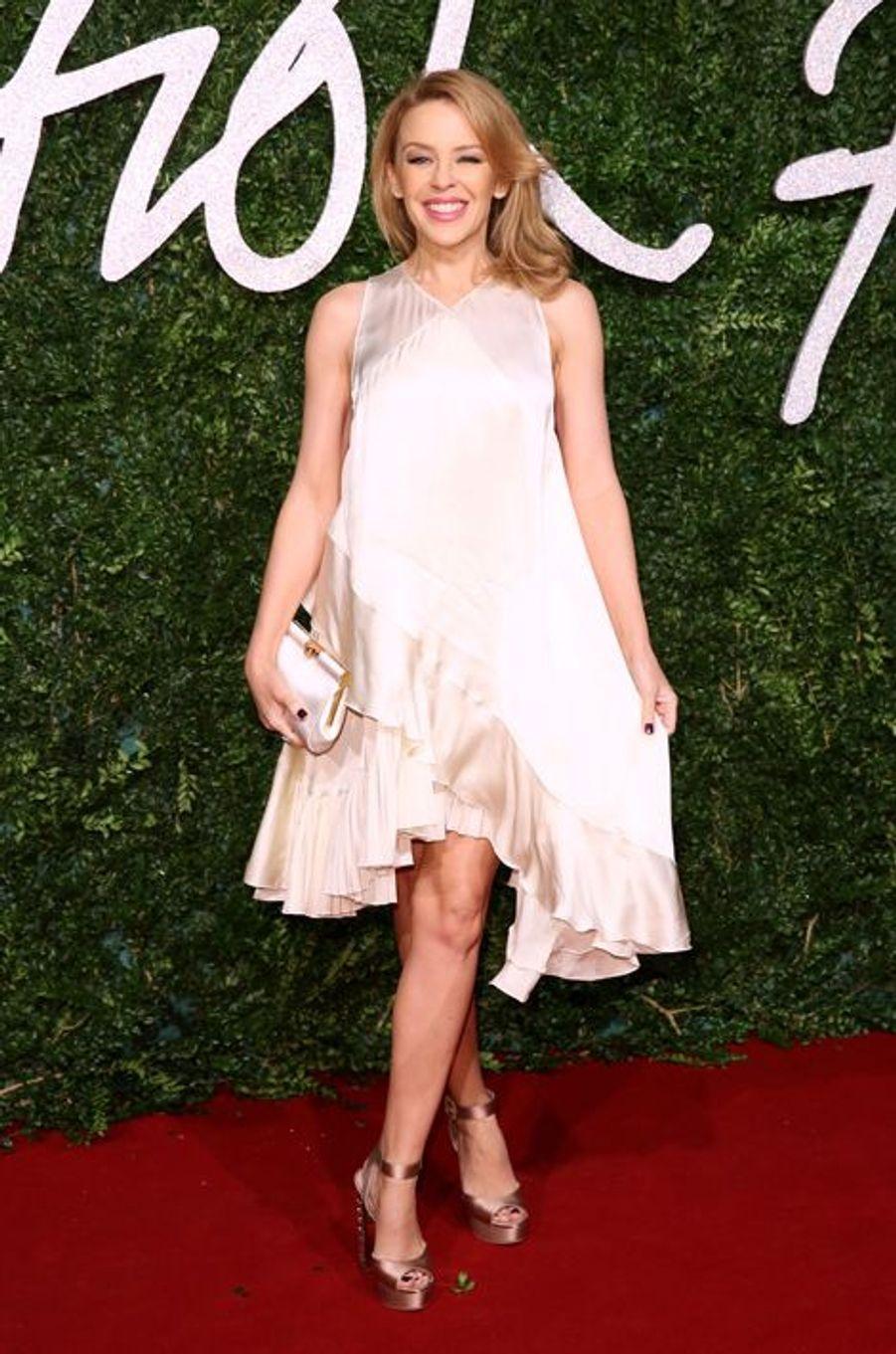 Kylie Minogue à Londres le 1er décembre 2014