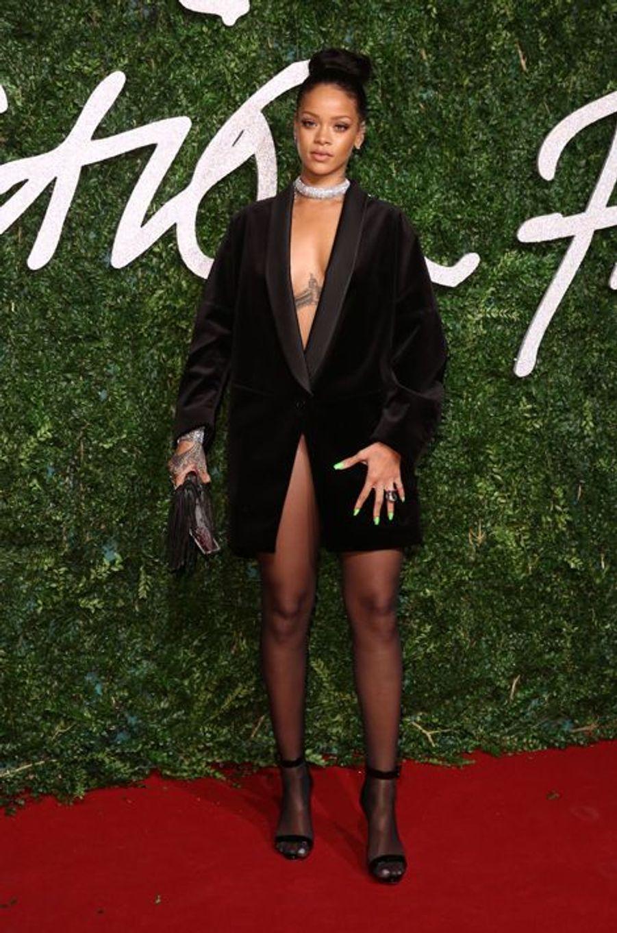 Rihanna à Londres le 1er décembre 2014